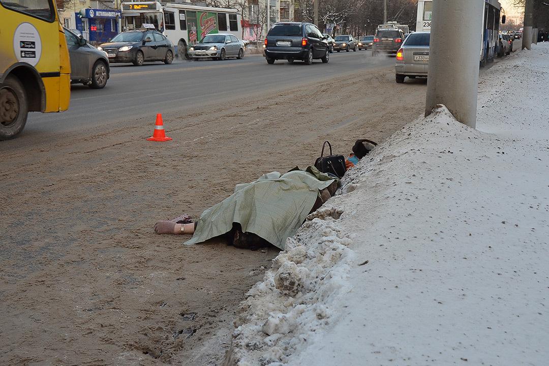 ВоВладимире пенсионерка погибла, выпав изтроллейбуса