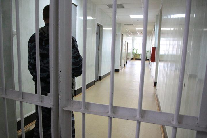 СКзадержал юриста изИркутска, подозреваемого вкражах элитных авто