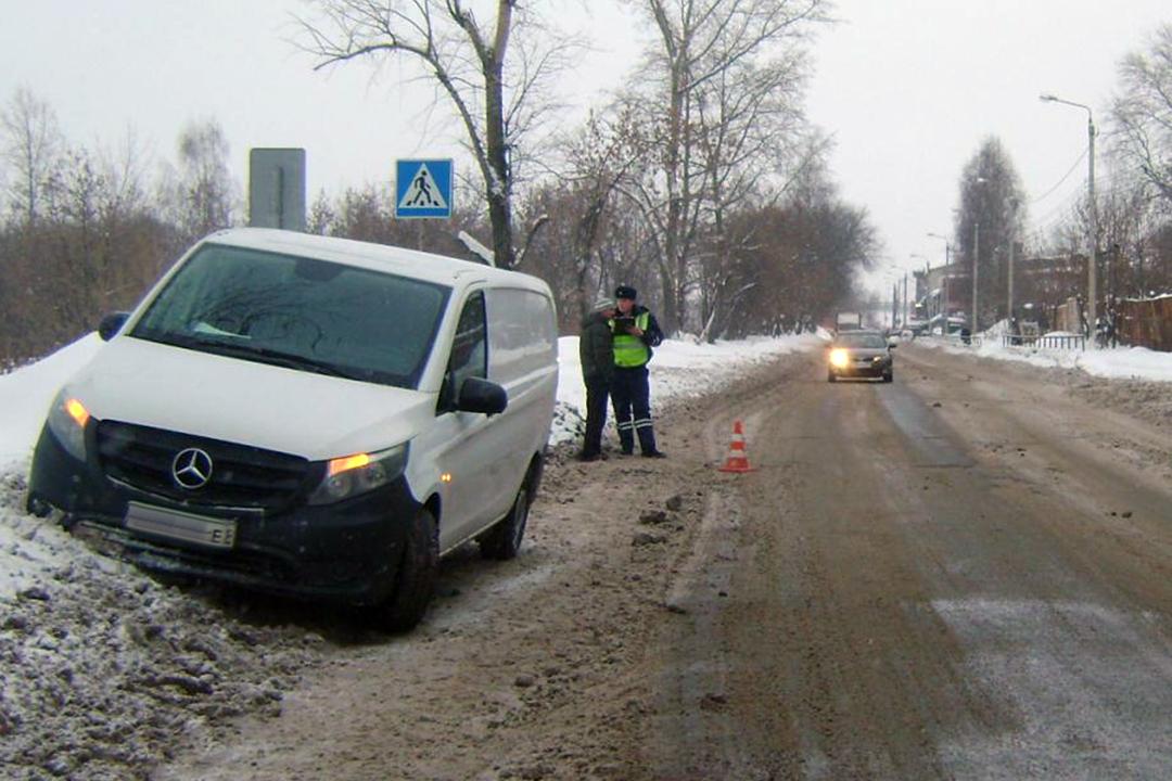 Шофёр маршрутки сбил 10-летнего пешехода наЧТЗ