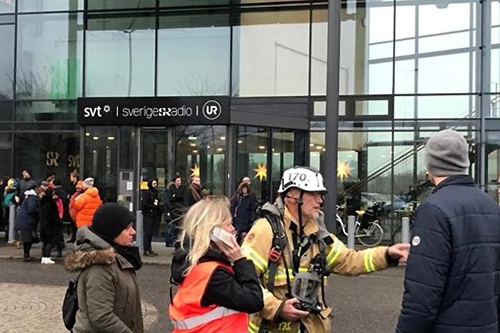 Сотрудники здания Шведского телевидения и радио Гётеборга эвакуированы. Фото: Sveriges Radio