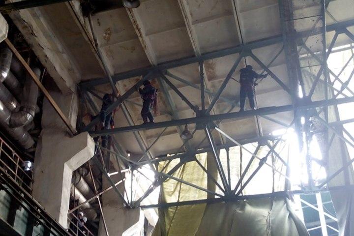 Саранские cотрудники экстренных служб оказывают помощь вликвидации последствий трагедии наТЭЦ вПензе