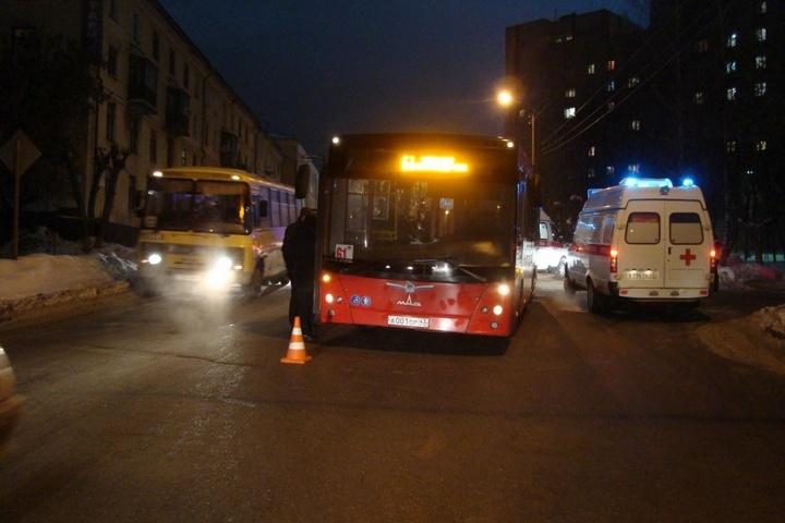 ВКирове автобус сбил пенсионерку с 3-х летним внуком