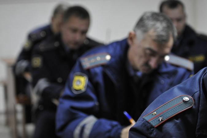 Работник автомобильного салона вКраснодаре угнал джип ипопал нанем вДТП