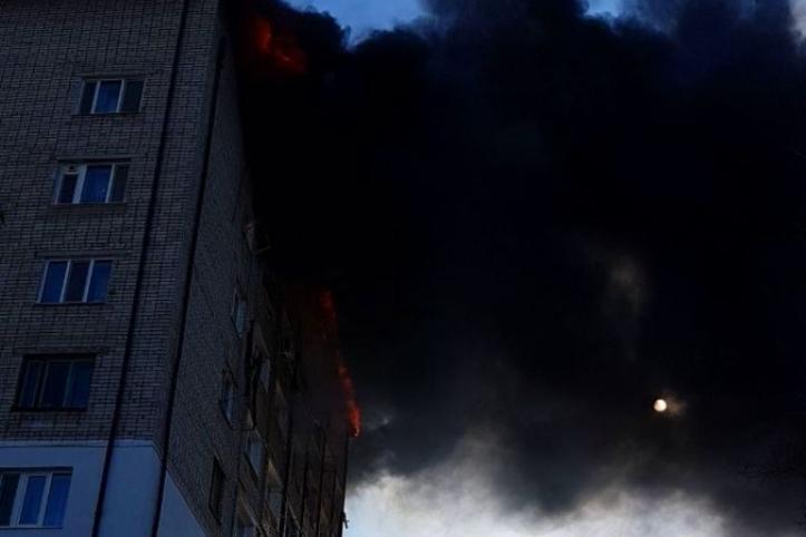 Площадь пожара вгостиничном доме вПриморье увеличилась до500 квадратных метров
