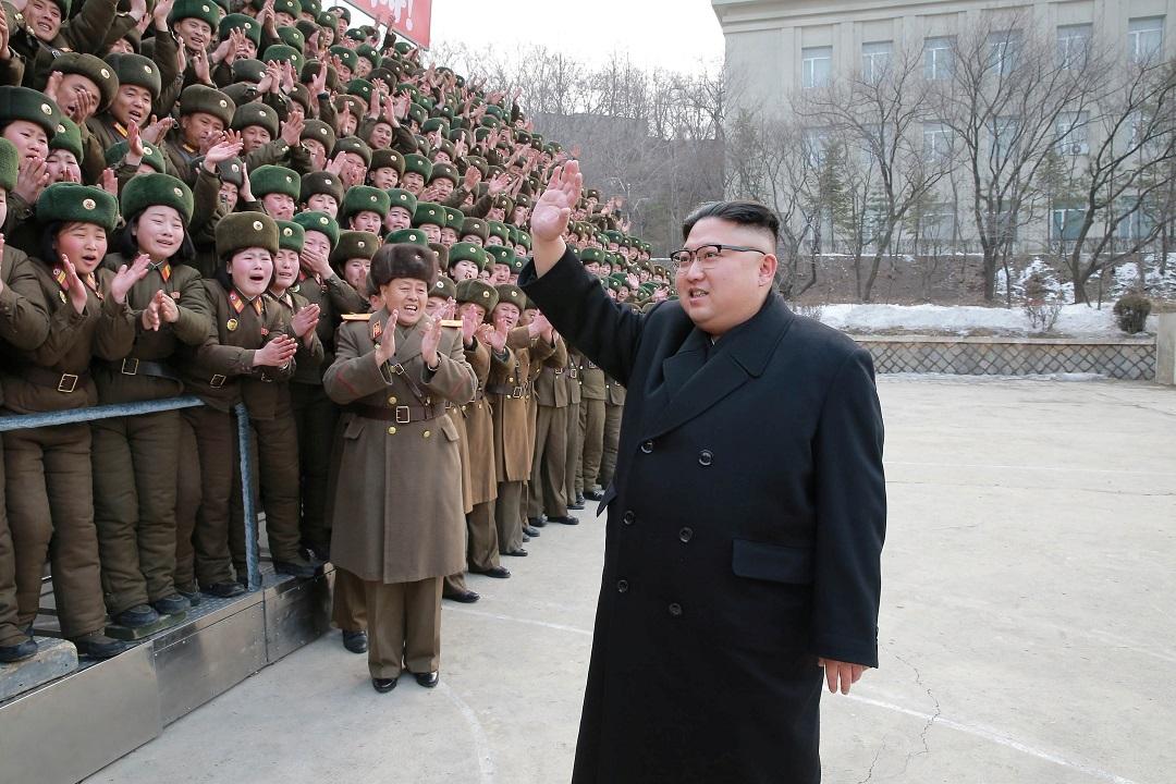 КНДР запустила 4 ракеты неизвестного типа