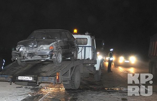 Онлайн видео авария на трассе белово-ленинск-кузнецк( 8022012 )