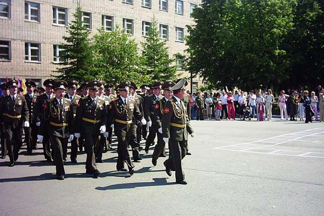 Image of автобронетанковый институт - matreshkafilms