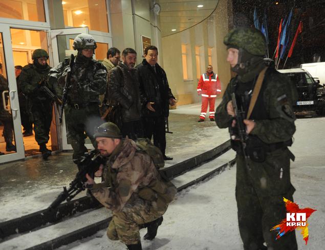 Был ряд нештатных ситуаций, которые возникли именно непосредственно перед въездом на территорию Донбасса Фото: Владимир ВЕЛЕНГУРИН