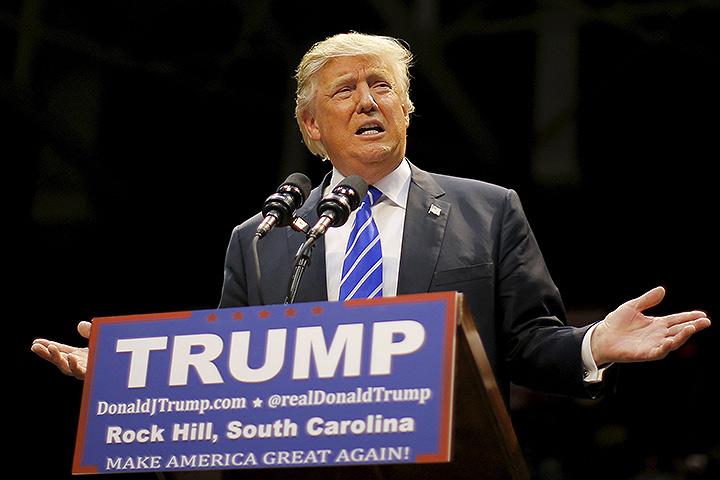Кандидат в президенты США миллиардер Дональд Трамп обвинил демократов в содействию создания террористического государства ИГИЛ. Фото: REUTERS