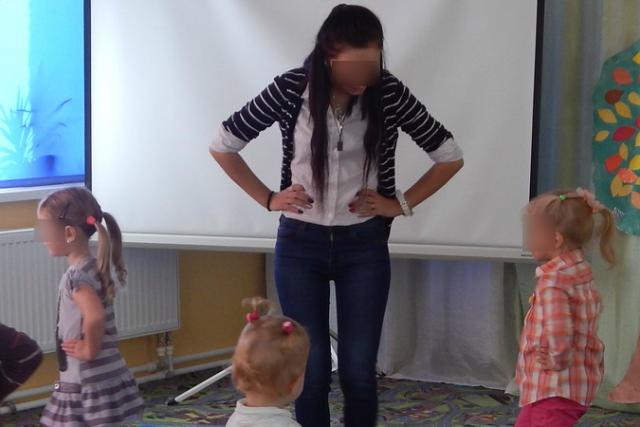 Днем Анна работала в детском саду... Фото: vk.com