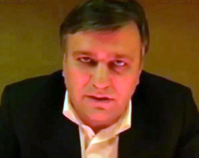 В пятницу достоянием общественности стал и видеоролик, в котором Сенченко принес извинения Рамзану Кадырову Фото: скриншот с видео