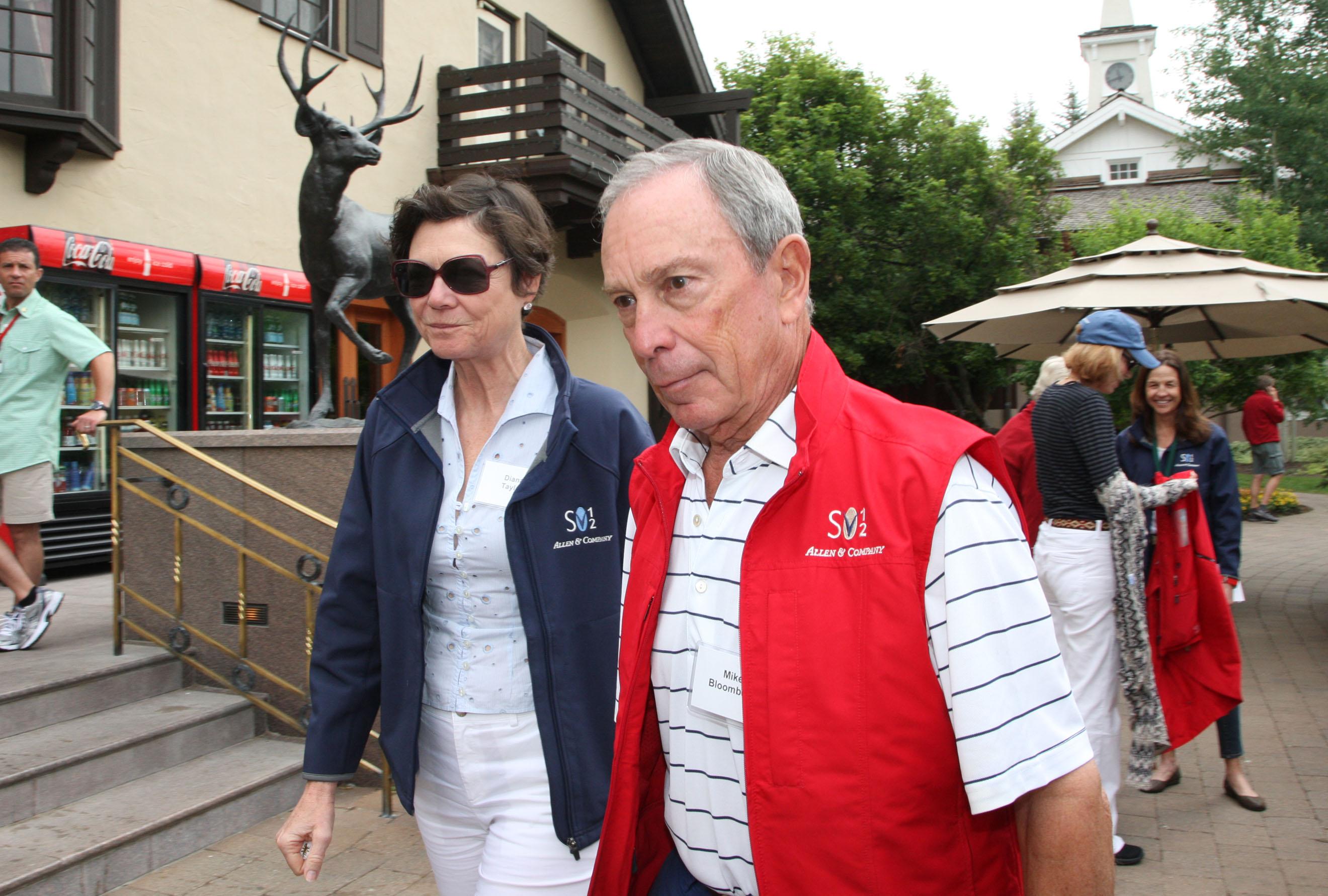 Майкл Блумберг не спешит регистрировать отношения с Дианой Тейлор. Фото: SPLASH NEWS