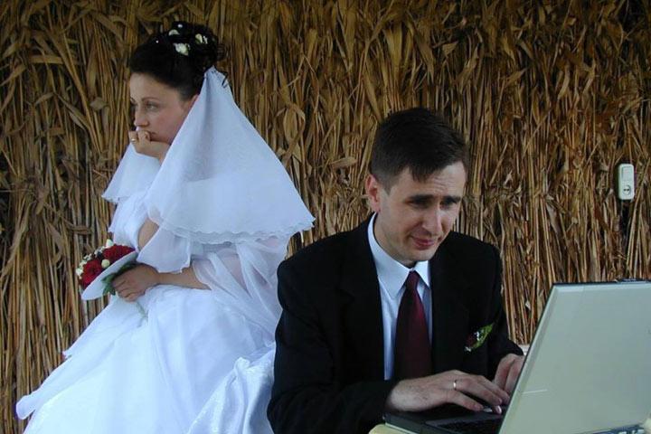 Депутат Вячеслав Ионицэ женился в 1994 году, с Ириной у него двое дочерей. В день десятилетия совместной жизни политик признался, что у него всего одна мечта — пусть все и дальше будет хорошо. фото: ea.md