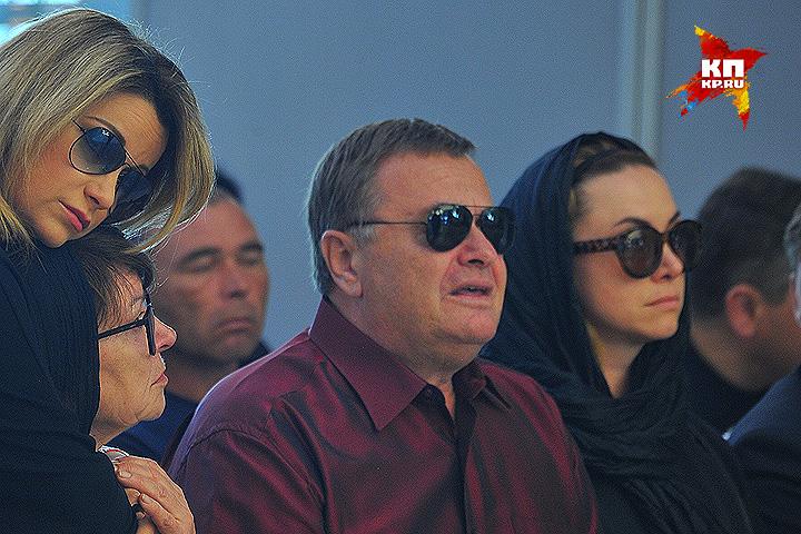 Отец Жанны Фриске Владимир на похоронах дочери. Фото: Евгения ГУСЕВА