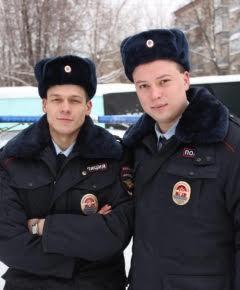 Михаил Банин (слева) и Дмитрий Михеев (справа) вдвоем арестовали пятерых преступников.