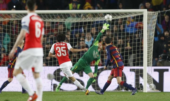 """Начало второго тайма - """"Барселона"""" пропускает от """"Арсенала"""". Фото: REUTERS"""