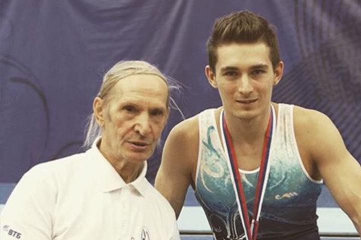 Давид с тренером Валерием Ломаевым. Фото: официальная группа Давида Белявского в ВК.