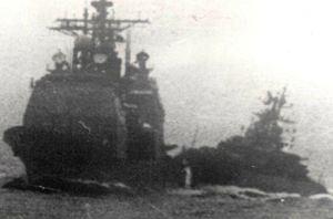 Второй, самый мощный, таран «Беззаветного» (справа) сфотографировали с пограничного катера.