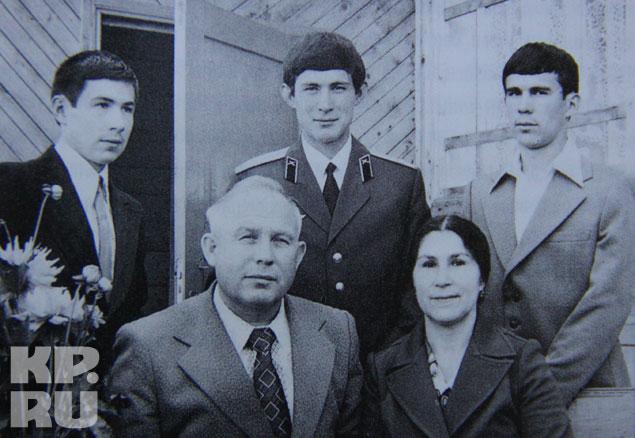Глава семьи был по тем временам большой начальник, но Миннихановы всегда жили скромно Фото: из личного архива