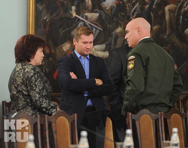Члены общественного совета в ожидании министра Фото: Михаил ФРОЛОВ