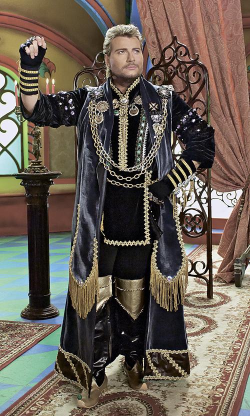 Николаю Баскову выпало сыграть Соловья-разбойника: как в таком случае обойтись без золотых цепей и кулонов?