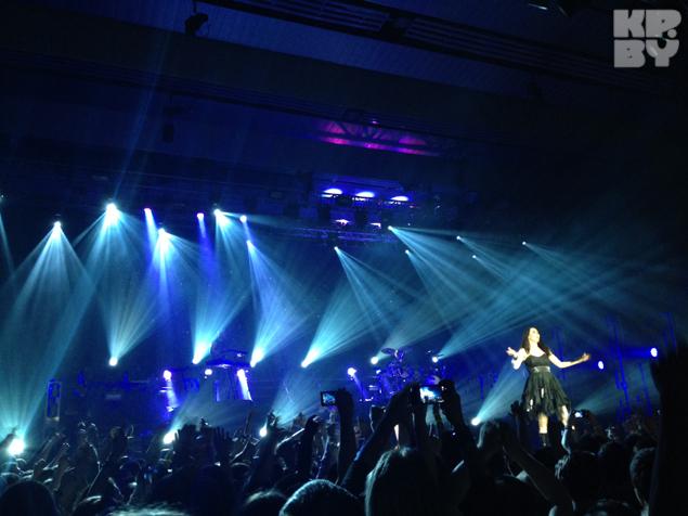 Музыканты весь концерт продержали поклонников в напряжении.