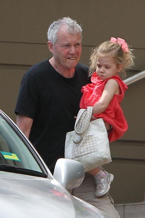Энтони Кидман с младшей дочерью голливудской звезды Фейт. Фото: SPLASH NEWS