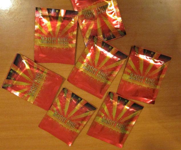 Пакетики с курительной смесью, изъятые в ходе одного из рейдов Фото: РИА Новости
