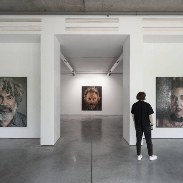 Выставка Чака Клоуза