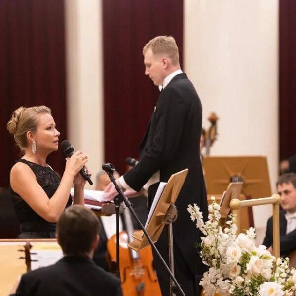 Мария Миронова заставила плакать даже мужчин: в Филармонии прошли «Чтения со смыслом»