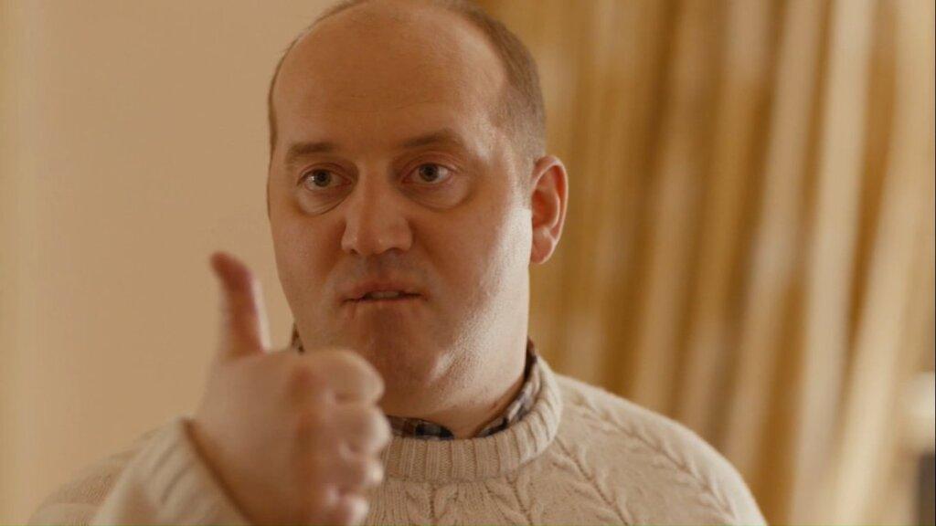 Почему Сергея Бурунова убрали из сериала «Ивановы-Ивановы»