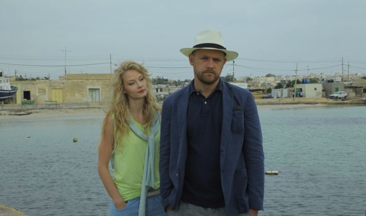 «Испанский стыд»: актер Денис Шведов рассказал о съемках со Светланой Ходченковой