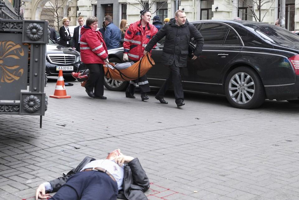 Экс-парламентарий Вороненков был убит днем 23 марта на выходе из гостиницы «Премьер Палац» в центре Киева.