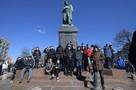 «Мирный митинг» кончился нападением на полицейского