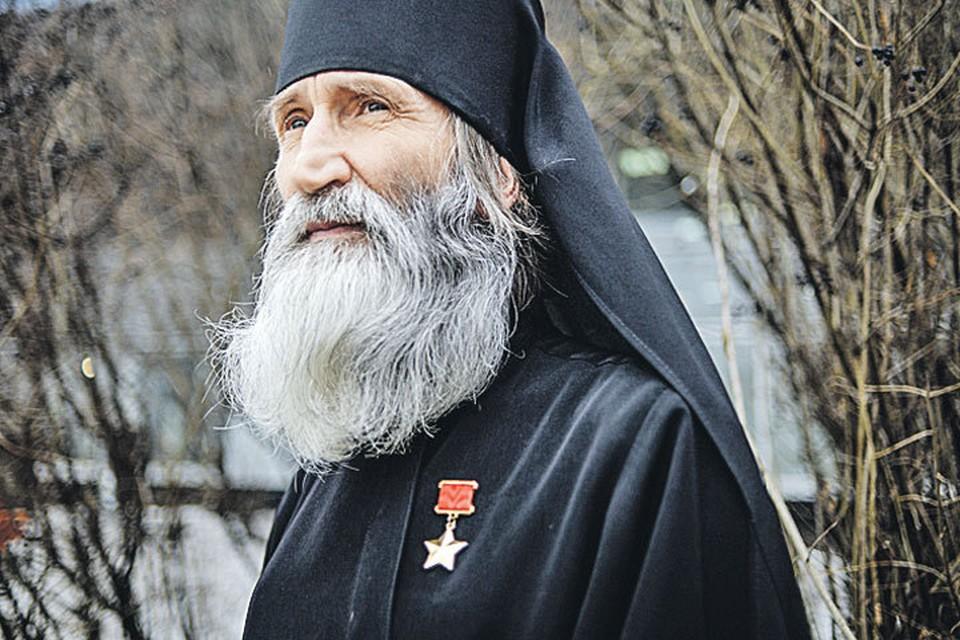 Герой Советского Союза, монах Киприан: Я ноги потерял, а люди души теряют.