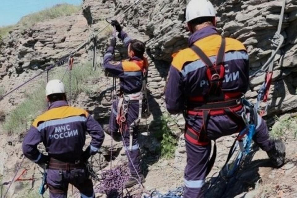В Хакасии спасатели вытащили школьника из заброшенной угольной шахты. Фото ГУ МЧС России по Республике Хакасия