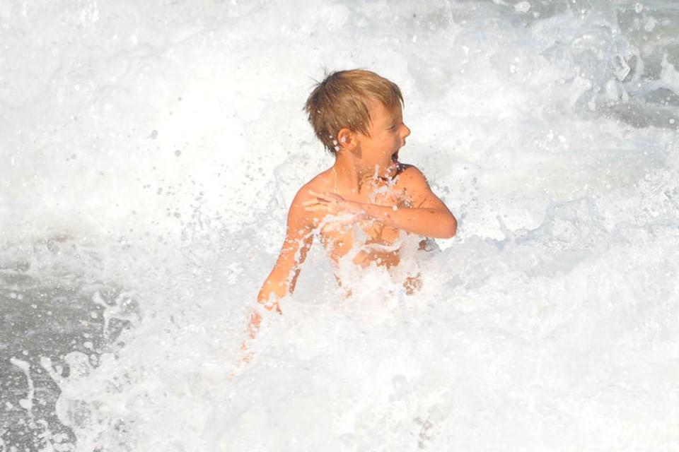 Никогда не оставляйте ребенка без присмотра там, где есть открытое водное пространство.