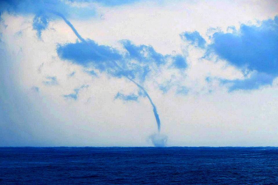 Картинки по запросу Множество смерчей наблюдали у побережья Сочи