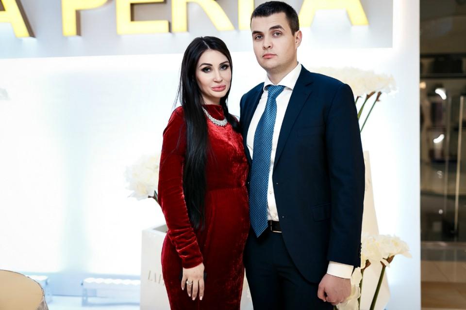 Анастасия Рязанская с Кириллом Хахалевым на открытии бутика в Краснодаре. Фото: vklybe.tv