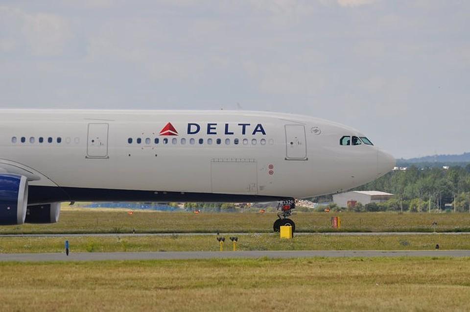 Сотрудники Delta Airlines поддержали пассажира, обвинившего россиян в оккупации Крыма