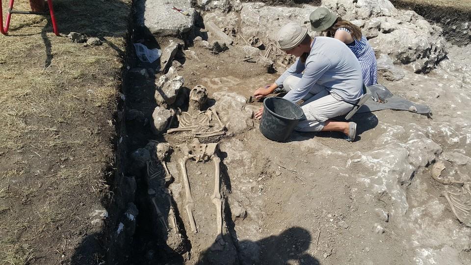 Раскопки на Мангупе.
