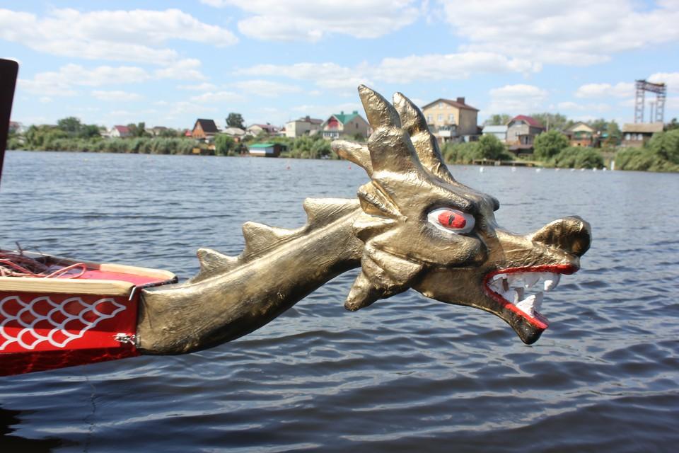 В Саратовской области впервые устроили гонки на «драконах».
