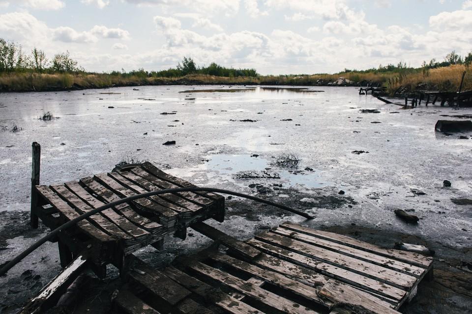 Озера в полутора километрах от Падовки явно не для купания