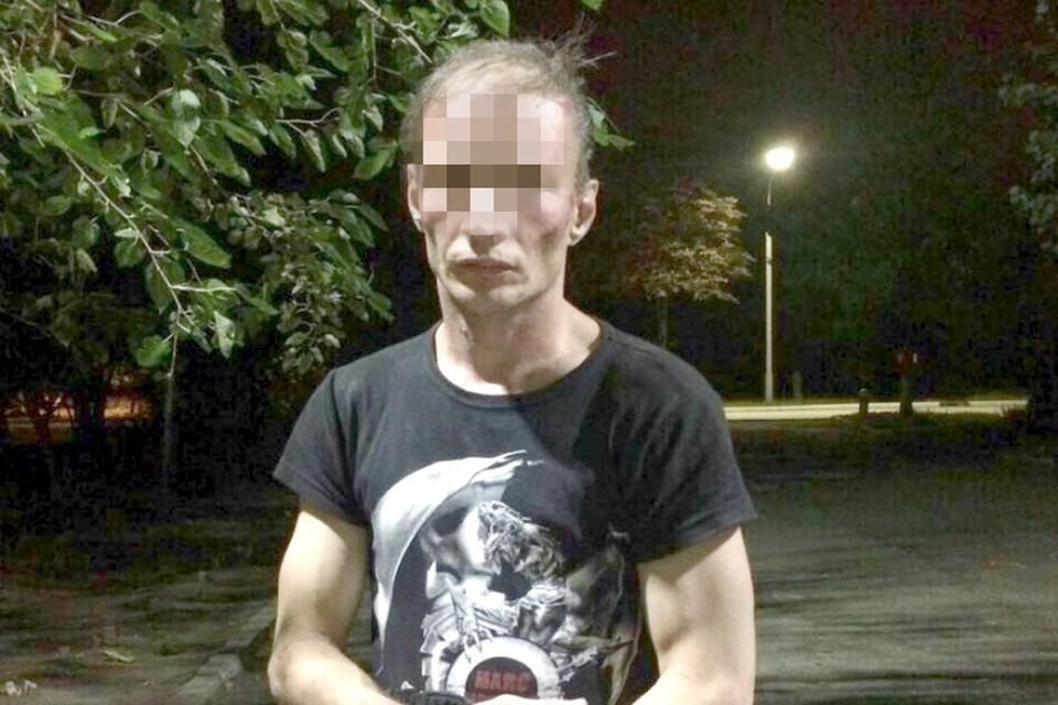 Свой мобильник Дмитрий Б. потерял по дороге на работу.