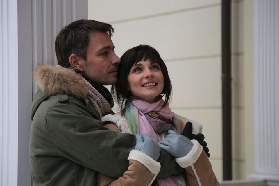 """Стоп-кадр из фильма, который хоть и детективный, но все равно о любви. Фото: телеканал """"Домашний"""""""