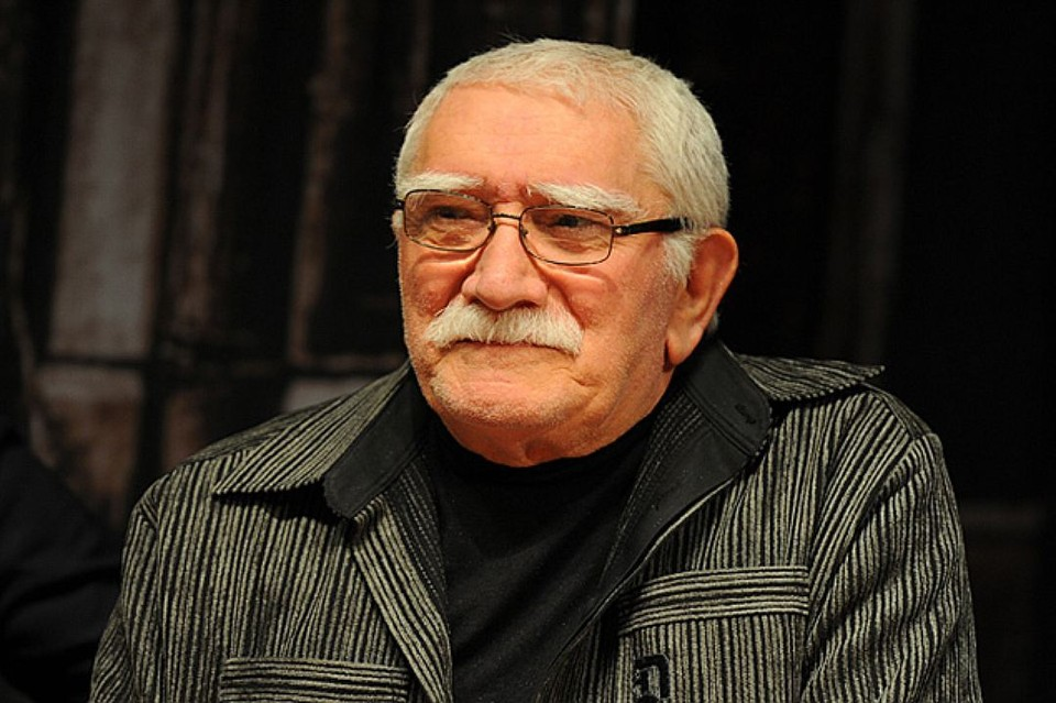 Армен Джигарханян сейчас находится в больнице