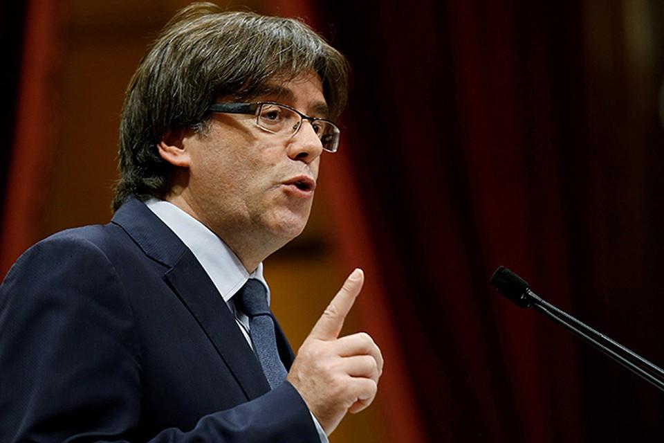 """Пучдемон пафосно заявил с трибуны, что прибыл в Брюссель как """"законный глава Каталонии говорить с Европой и миром о том, что происходит в автономии"""""""