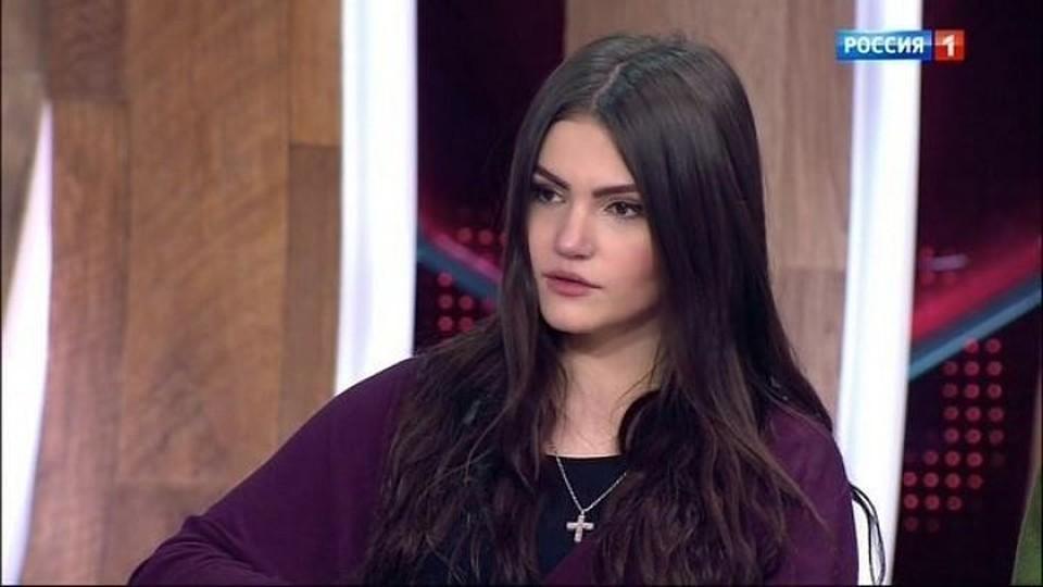 Фрейя Зильбер не собирается молчать и охотно рассказывает в эфире телешоу подробности своей жизни со звездным наследником