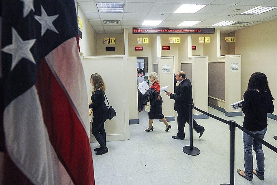 Генконсул посольства США в РФ Лоренс Тоби  Россиянам станет проще получать  американские визы 092419ad1d6