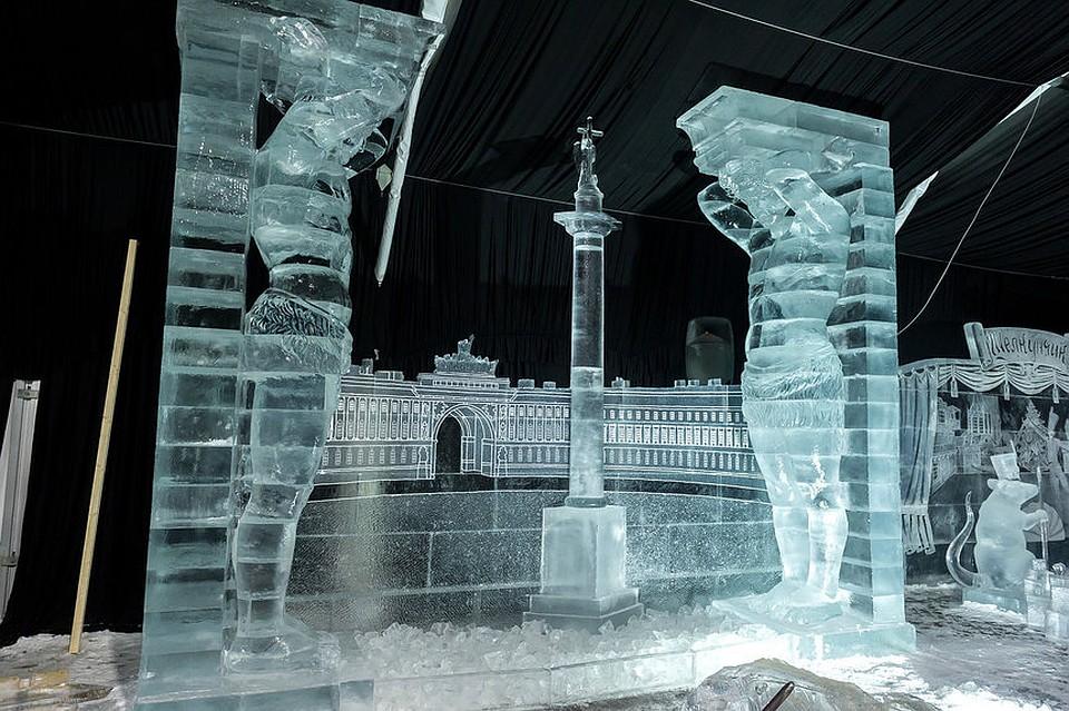 Ледяные Атланты, грифоны и белые ходоки: выставка ледяных скульптур в Петербурге